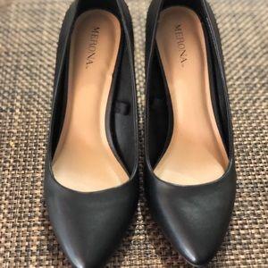 Merona black pump heels